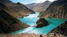 Yamdroktso Lake