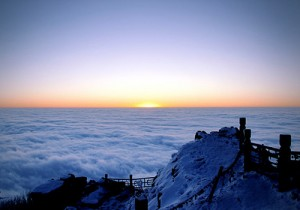 Sunrise on Emei Mountain